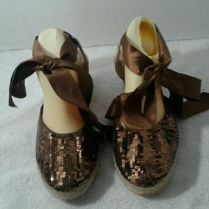 NWOT  Old Navy Shoes